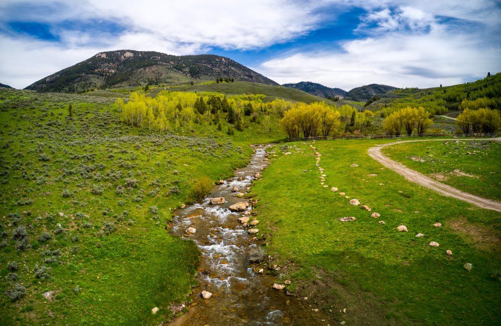 running river panoramic